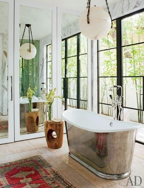 silver bath tub